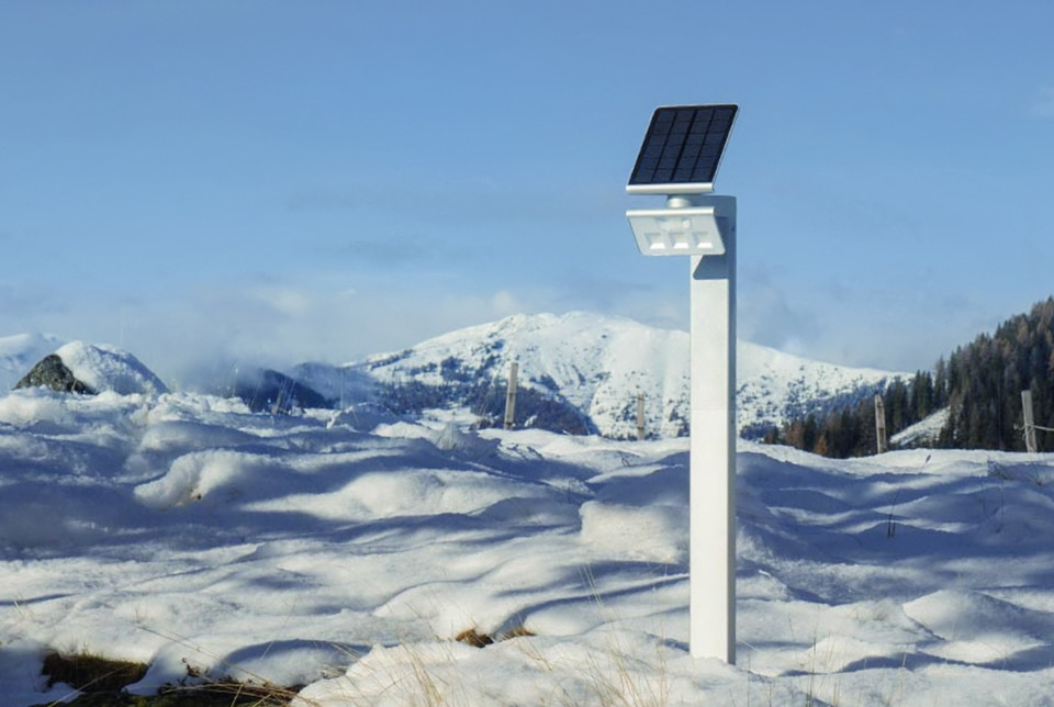 Solar cell in snow