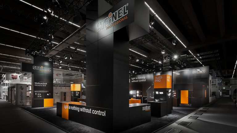 Tetris goes B2B: Trade show stand for STEINEL